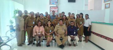 Foto bersama ASN DPMPTSP dengan Ombusdman RI perwakilan Prov. Papua
